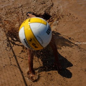 Mud Volleyball / Slush Volleyball
